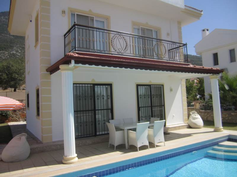 V0082 Luxury 3 bedroom Detached villa in Ovacik